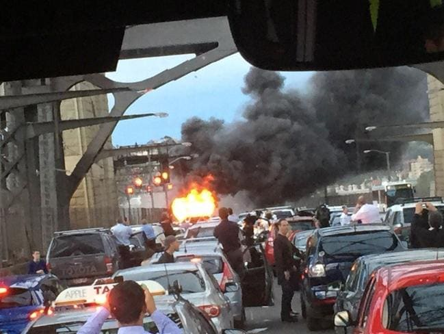 The fire caused traffic chaos on Thursday night. Picture: Alex Heath Twitter @sydheatha