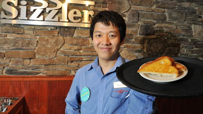 Sizzler's famous Cheesy Bread.