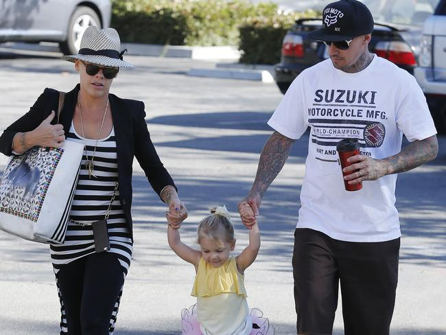 Pink and Carey Hart take their daughter Willow for a lunch at Coogies in Malibu, California.
