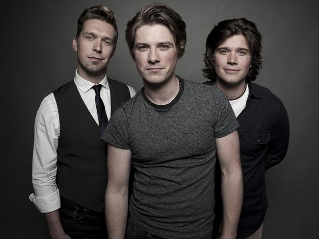 Hanson celebrate 25th anniversary with Middle Of ...