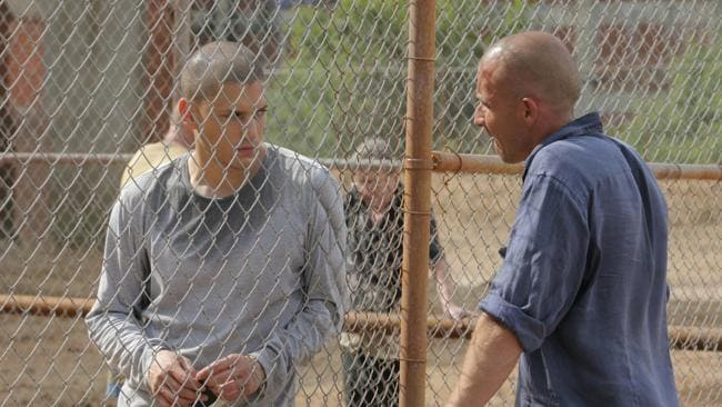 Wentworth Miller and Lincoln Dominic Purcell in a scene from TV series Prison Break.