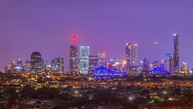 City views from 8 Wentworth Pde, Balmoral