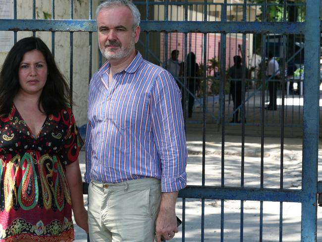 Erika Rosas, Amnesty's Americas director, with Colm O'Gorman, Amnesty Ireland director, outside Ilopango prison in San Salvador.