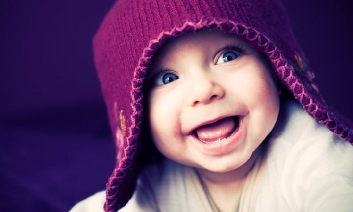 14 adorable ways to make your baby laugh