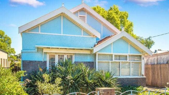 1 Wells Avenue, Tempe was popular with buyers, despite backing onto a train line.