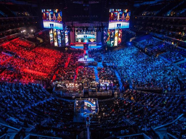 A sold out Los Angeles Staples Center for 2013's League of Legends finals.