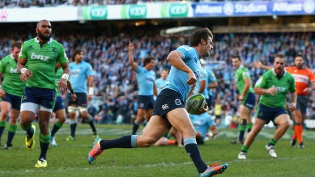 Rob Horne scores a try for the Waratahs at Allianz Stadium.