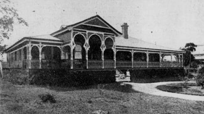 A picture of the home from 1906 (SOURCE: State Library of Queensland and Johny Oxley Library)
