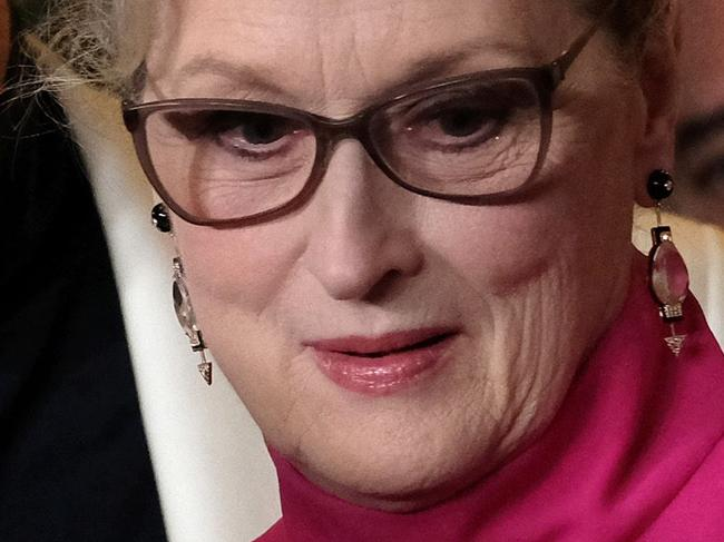 Streep slams Lagerfeld over dress drama