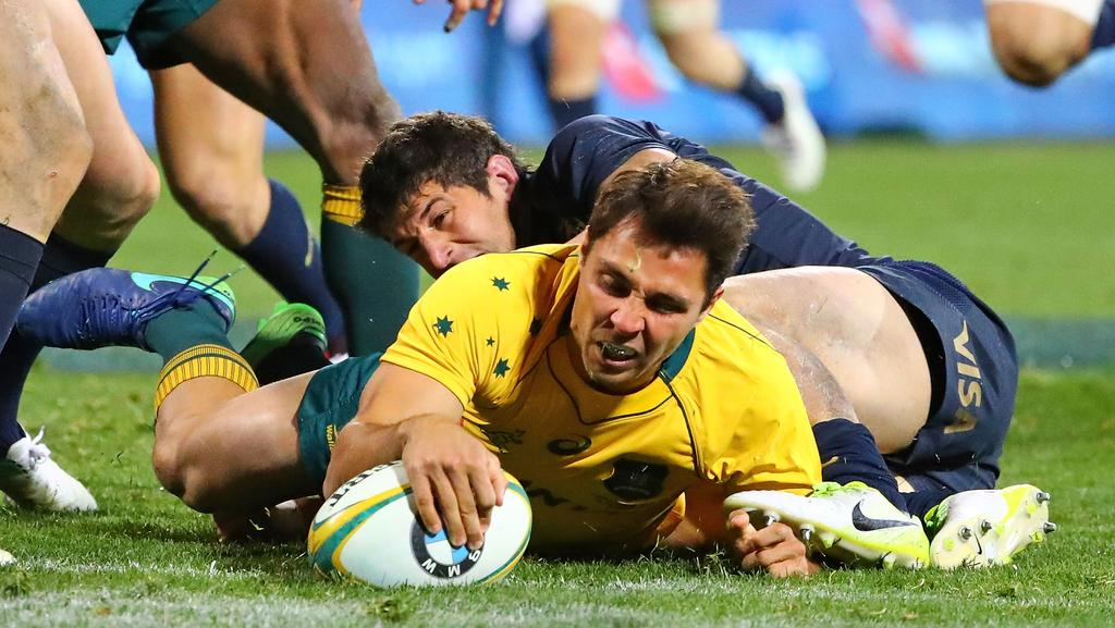 CANBERRA, AUSTRALIA - SEPTEMBER 16: Nick Phipps of the Wallabies runs in to score a try during The Rugby Championship match between the Australian Wallabies and the Argentina Pumas at Canberra Stadium on September 16, 2017 in Canberra, Australia. (Photo by Scott Barbour/Getty Images)