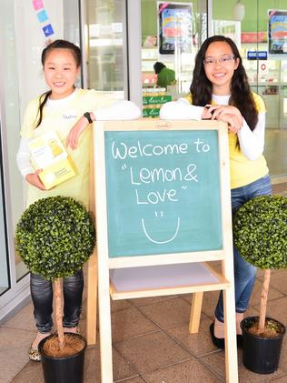 Kids at Switch students raise money with their lemonade stand business. Photo: Michael Wu