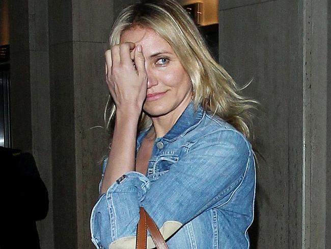 Cameron Diaz does not like the paps, says Buhl.