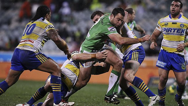 David Shillington on the charge for the Raiders against Parramatta at Canberra Stadium