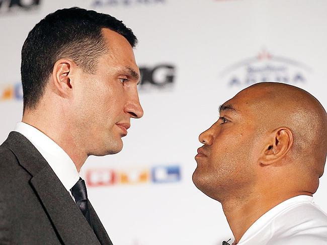 This gives you some indication of the height difference between Klitschko and Leapai.