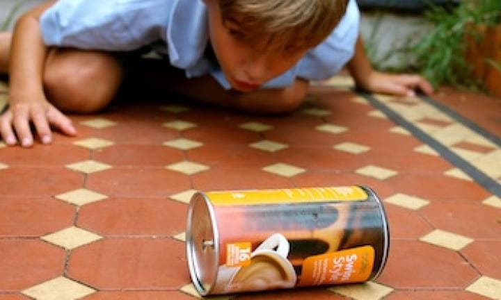 April Fools' Day: Make a trick rolling can