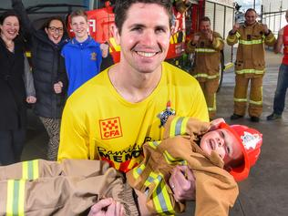 600km memorial run for dead firefighter