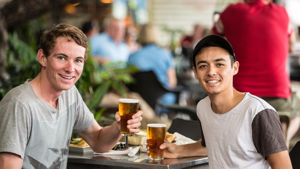 should the drinking age be raised to 21 in australia The current drinking age of 21 remains a point of contention among many americans while guam has raised its drinking age to 21 in july 2010.