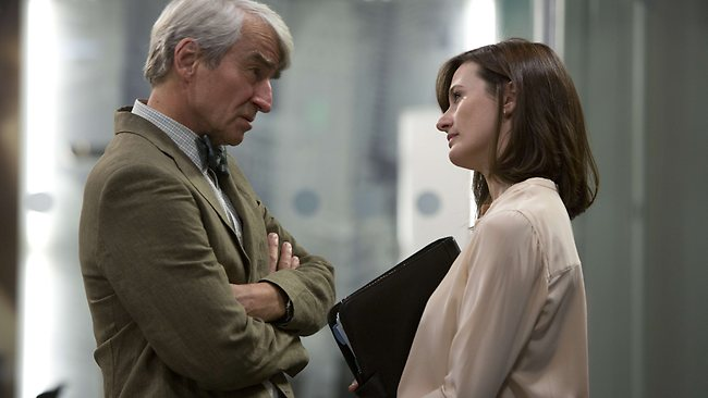 Sam Waterston as News Division Boss Charlie Skinner and Emily Mortimer as Mac.