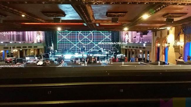 A sneaky picture from inside the Forum via fansite Madonna Online.