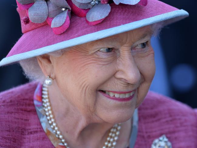 FALKIRK, SCOTLAND - JULY 05: Her Majesty Queen Elizabeth II meets dignitaries at the Kelpies on July 5, 2017 in Falkirk, Scotland. Queen Elizabeth II and Prince Philip, Duke of Edinburgh visited the new section the Queen Elizabeth II Canal, built as part of the £43m Helix project which features the internationally-acclaimed, 30-metre-high Kelpies sculptures. (Photo by Mark Runnacles/Getty Images)