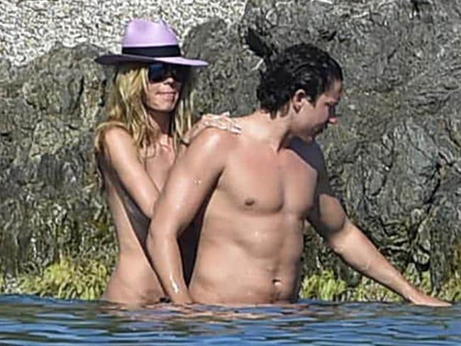 "Heidi Klum and her boyfriend Vito Schnabel enjoy a sunny afternoon beachside in Saint-Tropez. <a capiid=""cfd0935d5ae325907851dc7b7421b7b9"" class=""capi-video"">Heidi Klum Shows Up With Clones to Halloween Party</a>"