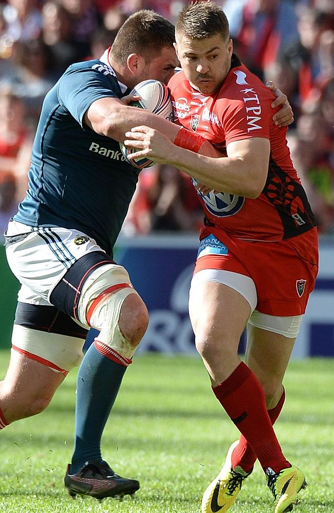 Drew Mitchell on the charge for Toulon.