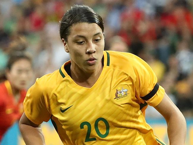 MELBOURNE, AUSTRALIA - NOVEMBER 22:  Sam Kerr of the Matildas runs with the ball during the Women's International match between the Australian Matildas and China PR at AAMI Park on November 22, 2017 in Melbourne, Australia.  (Photo by Robert Cianflone/Getty Images)