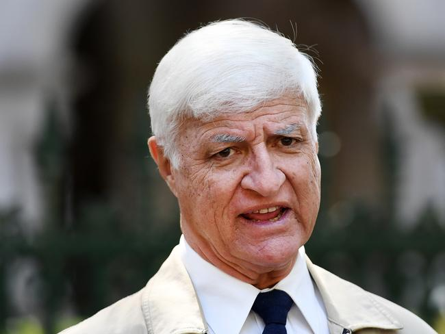Bob Katter has slammed the decision to scrap next week's parliamentary sitting.