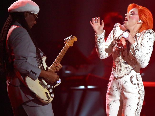 Lady Gaga performs a medley of Bowie's hits.