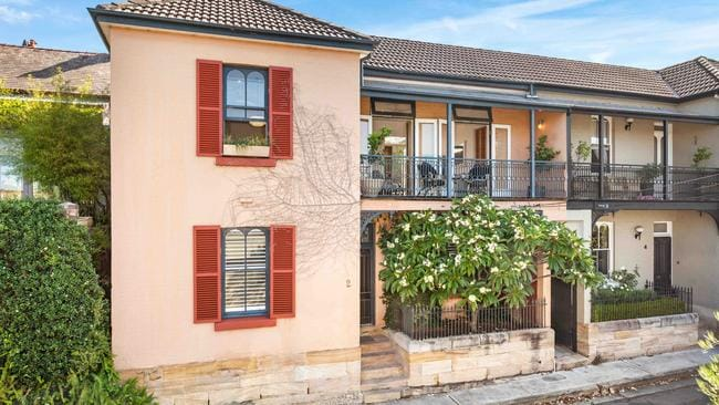 2 Wharf Rd, Birchgrove sold this weekend for $2.245 million.