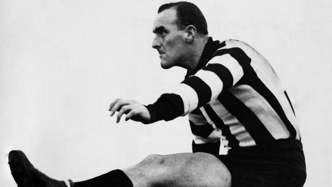 Phonse Kyne wore the No.1 as captain of Collingwood.
