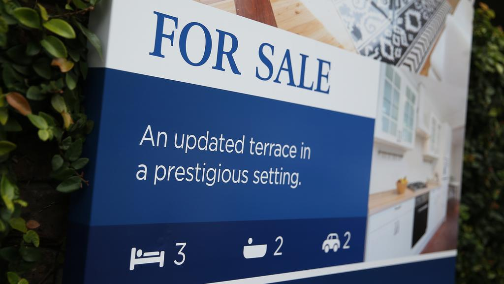 A 'for sale' sign in Woollahra. Photographer: Brendon Thorne/Bloomberg via Getty Images