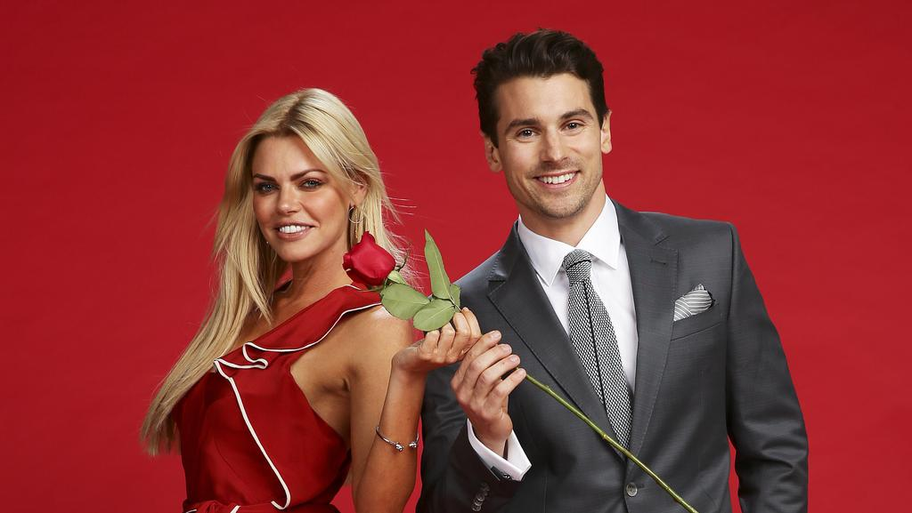 Matty J hands over the rose to Sophie Monk. Picture: Justin Lloyd