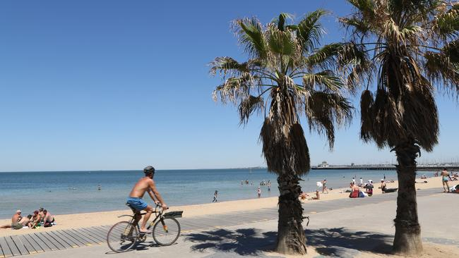 Emergency measures have been put in place to secure power during the heatwave. Source: AAP Image/David Crosling.