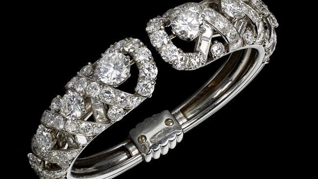 grace kelly s engagement ring in sydney cartier displaying princess