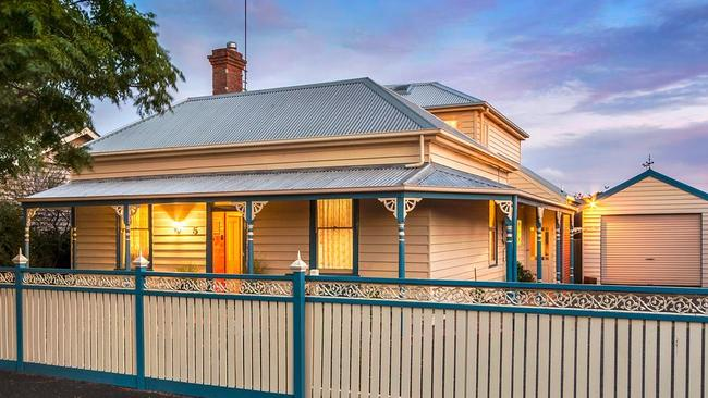 5 Darling St, East Geelong was relocated from Ballarat to Geelong in 1910.