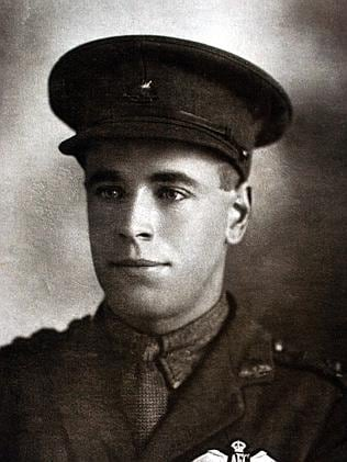 Anzac Day - Aust War World War I army soldier Lieutenant Lyell Keith Swann as a young man. historical (Pic: The Swann Diarie...