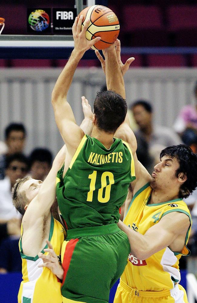 Mantas Kalnietis in action against Australia in 2006.