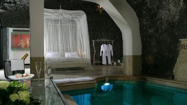 The Roccia Suite at Bellevue Syrene, Italy.