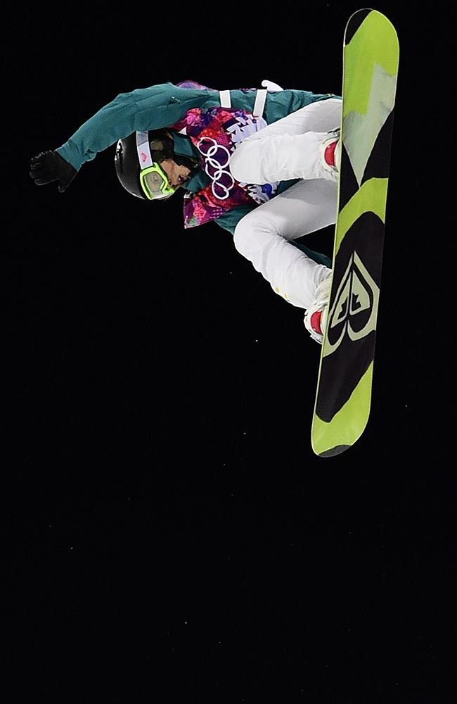 Torah Bright's silver medal winning run in the Women's Snowboard Halfpipe Final.