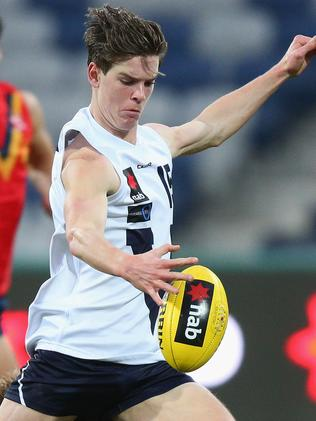 Paddy Dow in action for Vic Country.
