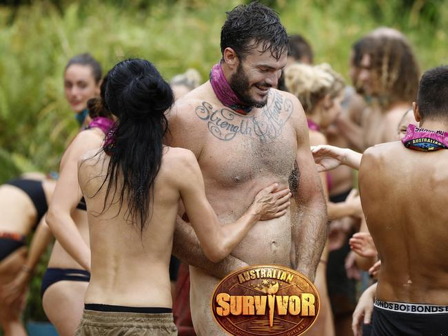 nude photos of woman survivor contestant