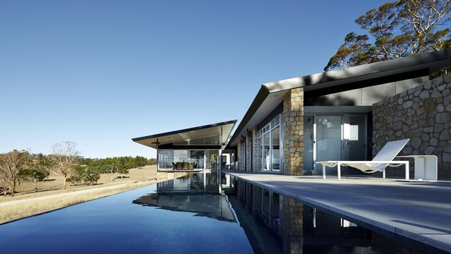 Top gongs go to hassell in sa s best in architecture awards for Adelaide residential architects