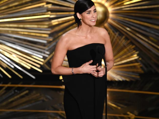 Sarah Silverman confuses the crowd at the 88th Academy Awards.