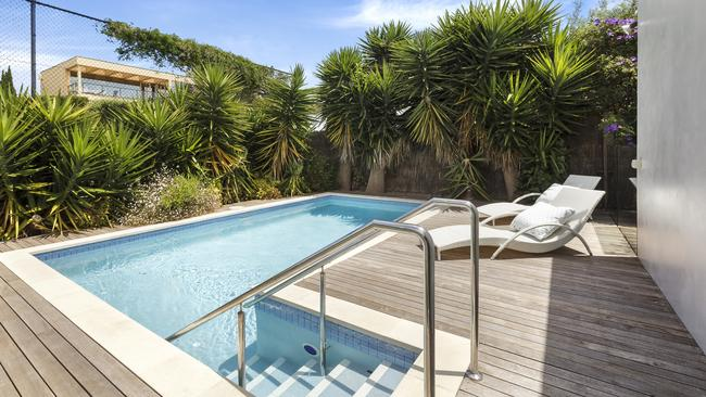 Portsea Clifftop Stunner On Land Once Owned By Harold Holt For Sale