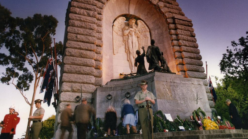 Anzac Day Dawn Services For 2016