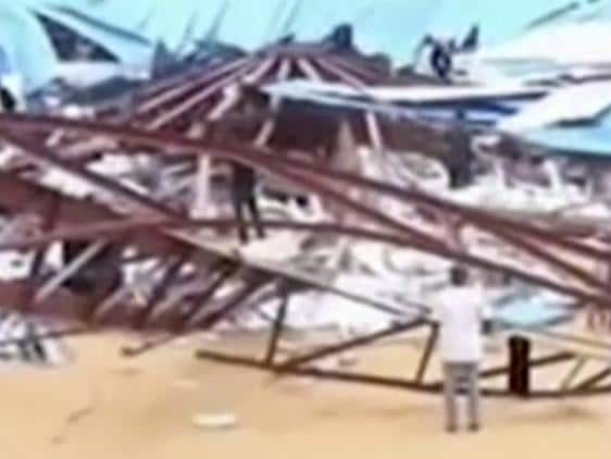 Church roof collapse kills at least 160