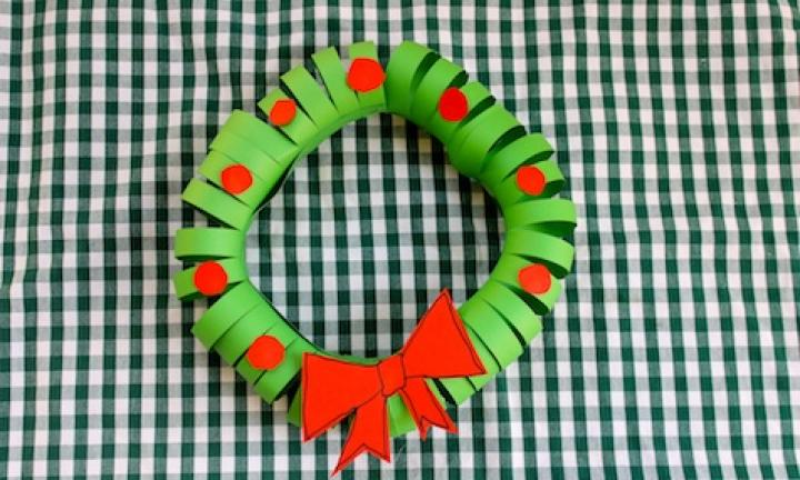 Easy paper Christmas wreath