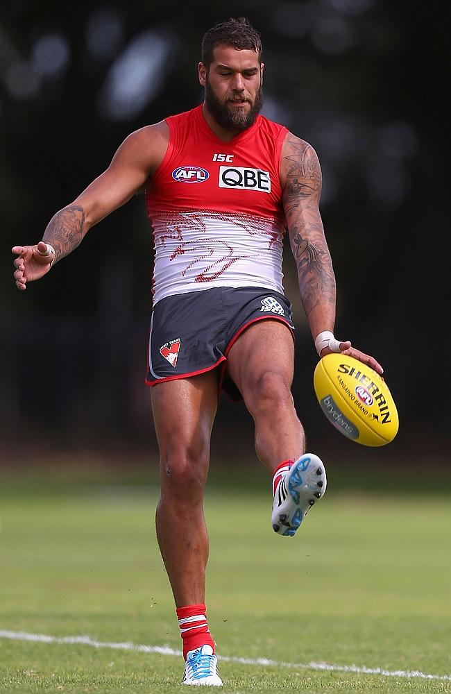 Sydney Swans recruit Lance Franklin takes a kick in pre-season training.
