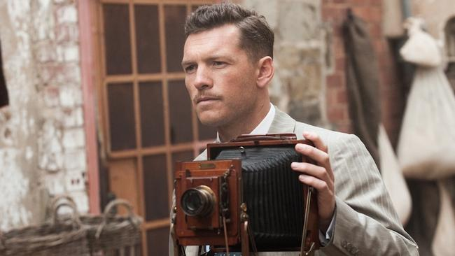 Dashing new look ... Sam Worthington plays war correspondent Phillip Schuler in Deadline Gallipoli. Picture: Matt Nettheim.